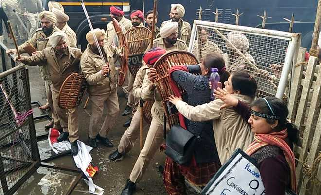 50 teachers booked for violent protest in Patiala