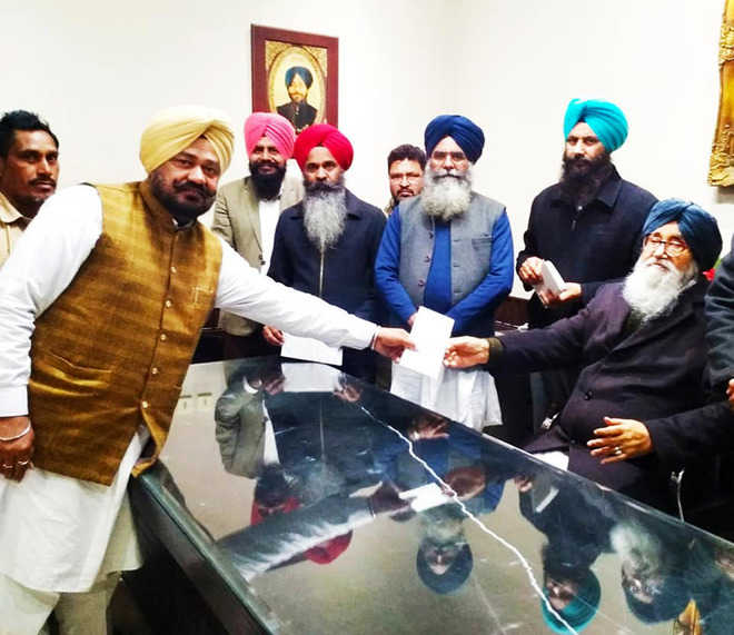 Badals splurge MPLAD funds on Lambi