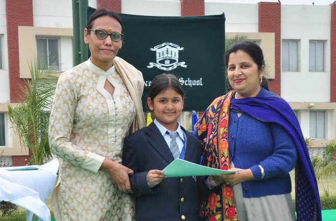 Silver Oaks School organises  prize distribution function