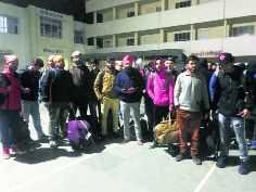 300 Kashmiri students reach Jammu, 30 others en route