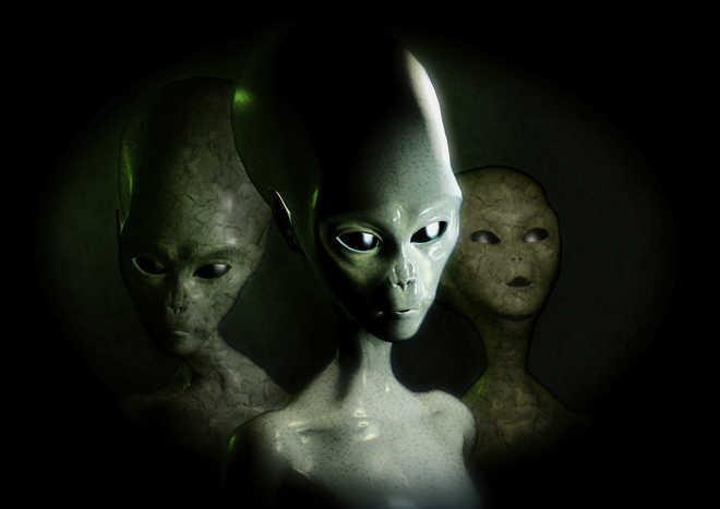 Alien species driving global extinctions