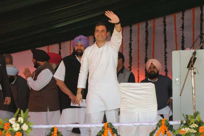 At Moga rally, Rahul challenges PM Modi to debate on Rafale deal
