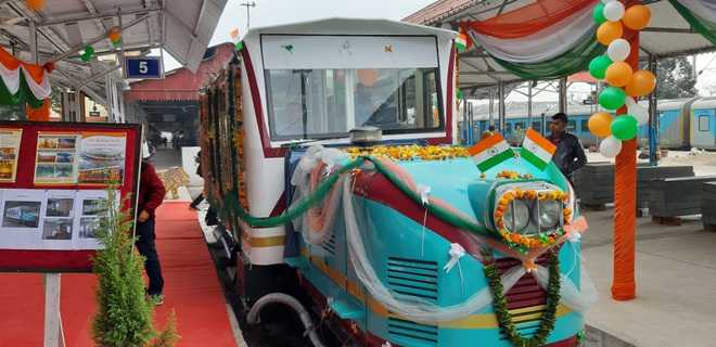 Vistadome rail car launched on Kalka-Shimla section
