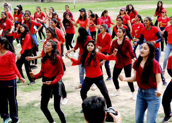 Over 200 students take part in fitness session