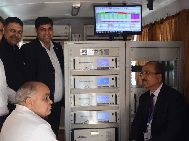 Lab on wheels to monitor air quality