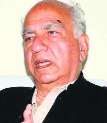 Defying China's call, ex-CM Shanta attends Uprising Day function