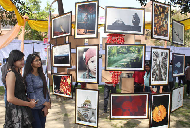 Homage to martyrs marks Day 1 of tech fest