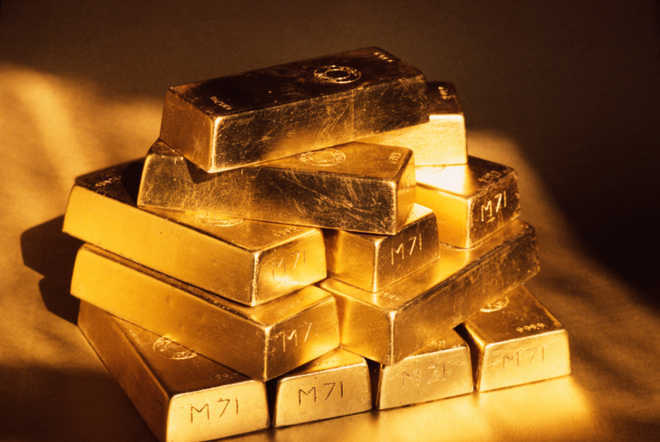Gold futures weaken to Rs 32,112 per 10 gm