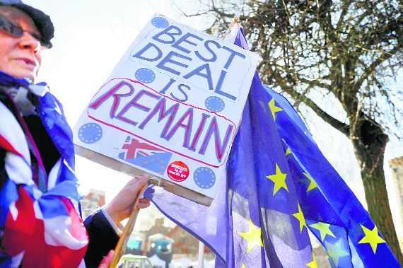 British lawmakers back Brexit delay