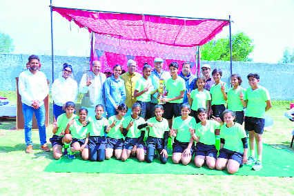 Motivating Sonepat girls to play hockey