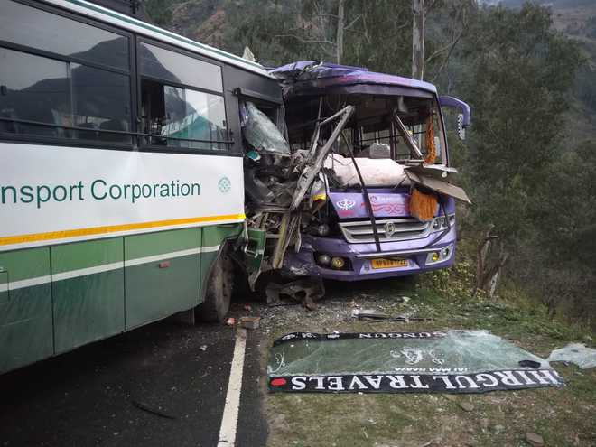15 injured as two buses collide in Shimla