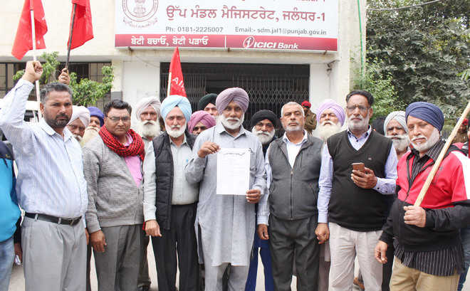 Fix June 1 as date for sowing of paddy, demand farmers