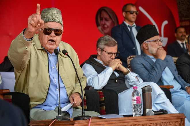 India not doing justice with Kashmiris: Farooq