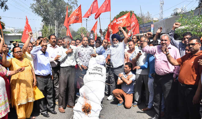 Punbus contractual workers take out gate rally in city