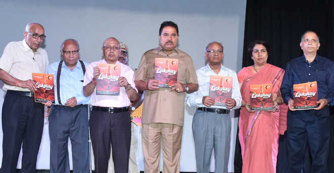 Develop patriotism among students, exhorts Soni