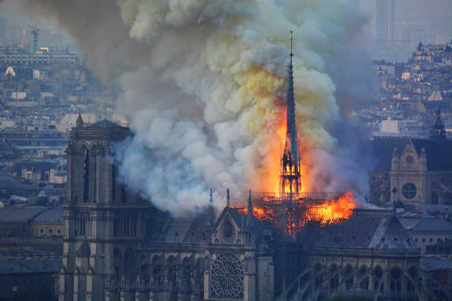 NYPD tweets on Notre Dame fire, gets trolled