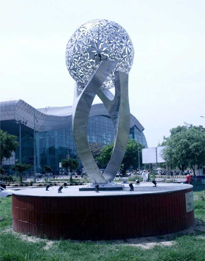 13-foot-tall sculpture comes up at entrance of airport