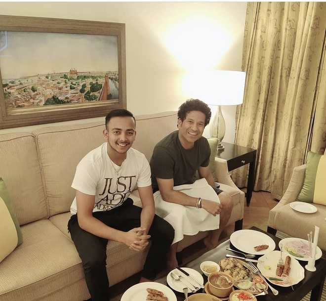 IPL 2019: Prithvi Shaw dines in with his mentor Sachin Tendulkar