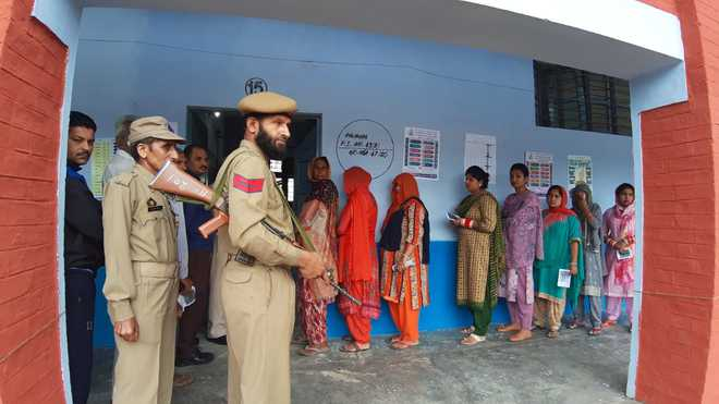 Nearly 65 per cent polling in Udhampur, 15 per cent in Srinagar