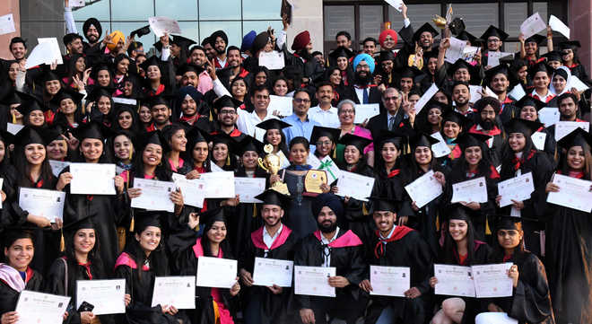 Commerce college pupils awarded degree