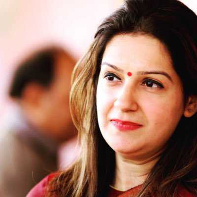 Priyanka Chaturvedi quits Congress, joins Shiv Sena