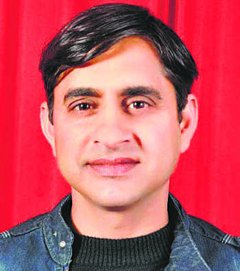 Cong's Kajal tears into BJP for fooling farmers