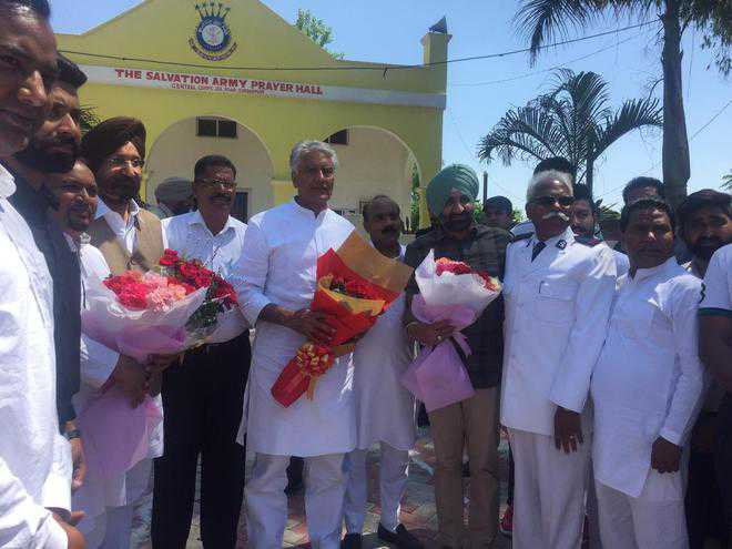 On Good Friday, Jakhar reaches out to Christians