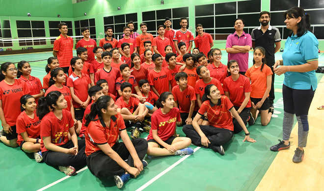 Young shuttlers get lessons in nutrition, injury prevention