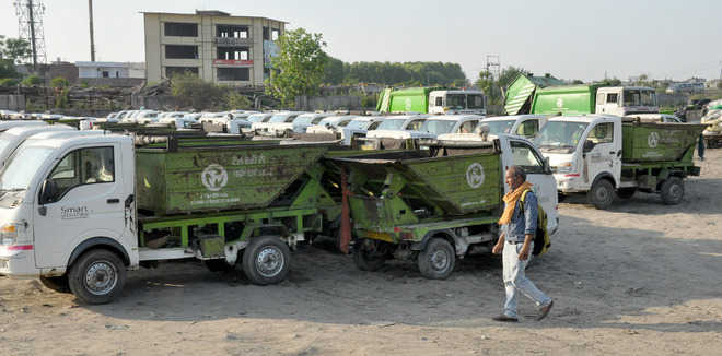 Waste mgmt firm employees announce work suspension