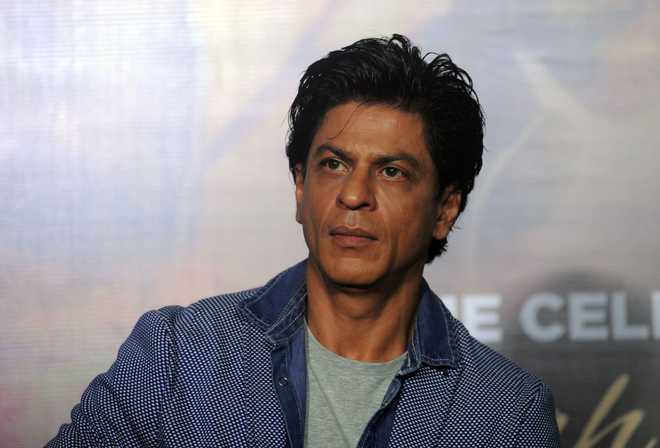 Shah Rukh spreads message about voting through song