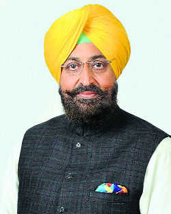 MP Bajwa questions Capt diktat to MLAs