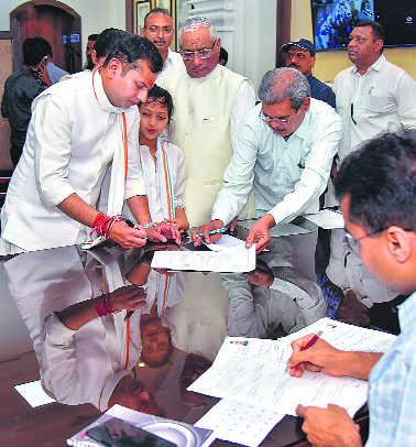 In Jodhpur, CM Gehlot's son slogs to scale the Modi wall