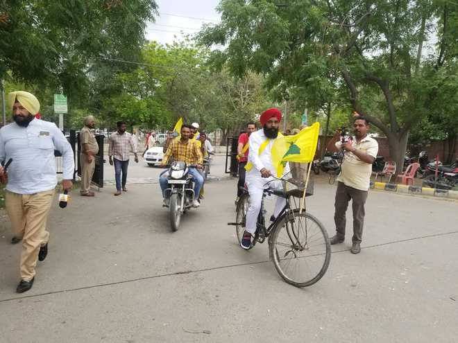 Jaito MLA cycles his way to file papers