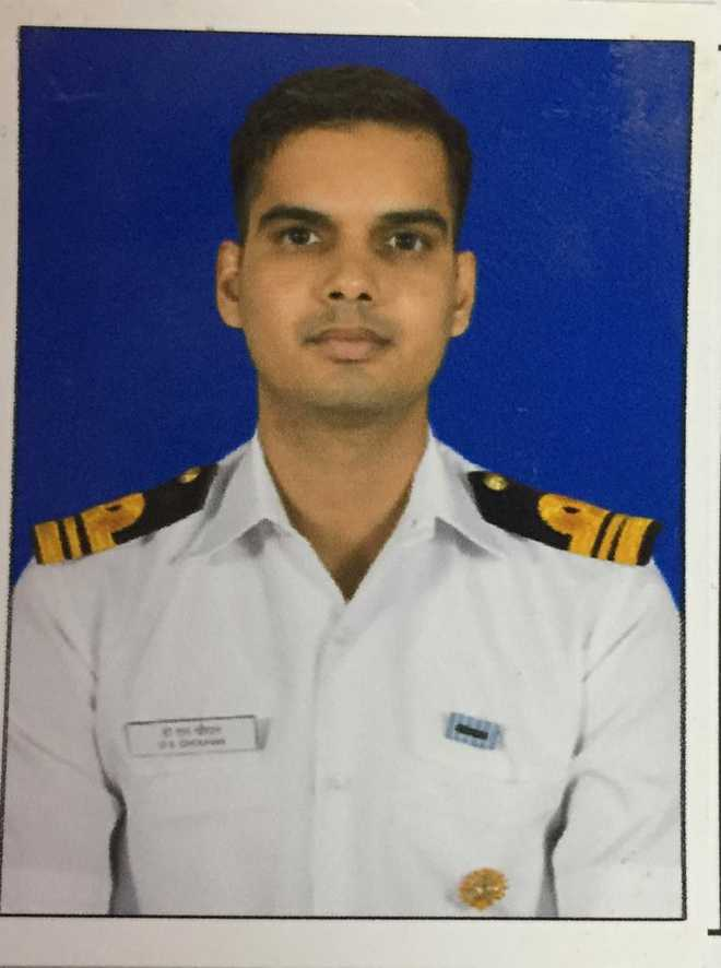 Naval officer dies in fire on board aircraft carrier INS Vikramaditya