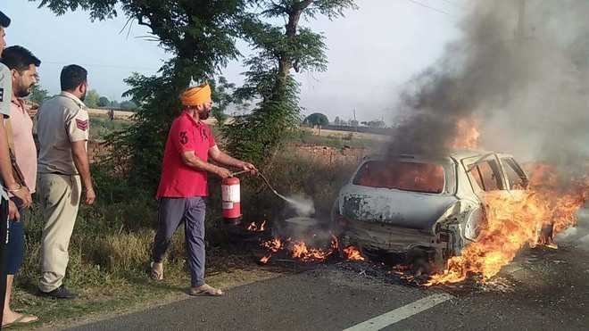 Arhtiya dies as car catches fire