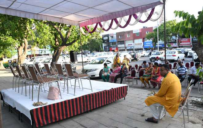 No crowd, BJP cancels Anupam's rally