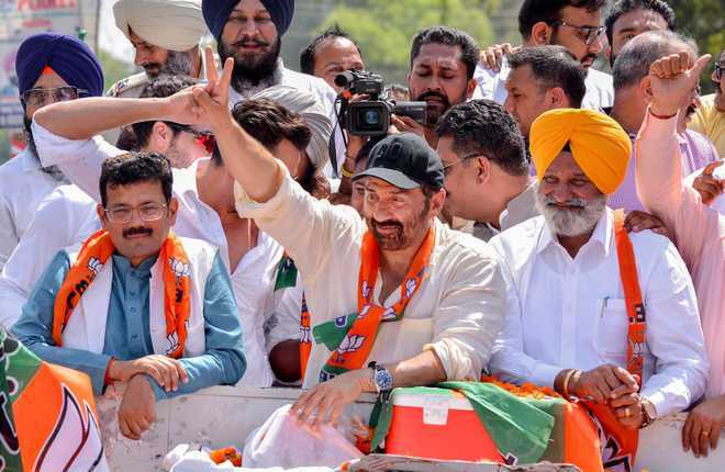 Image result for Sunny Deol  and sunil jakhar