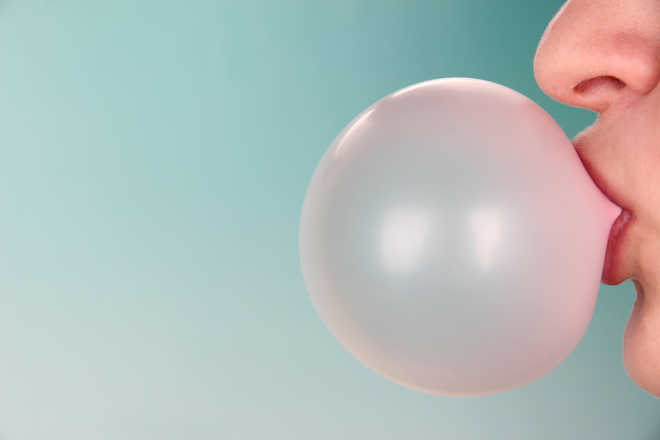 Chewing gum additive linked to colorectal cancer