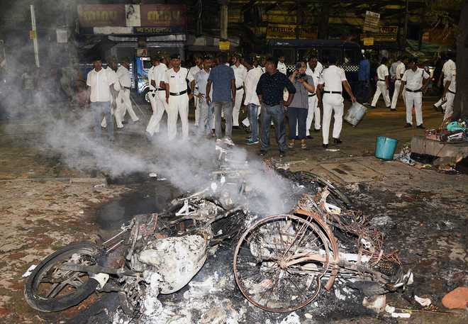 EC curtails West Bengal campaigning by 1 day after Kolkata violence