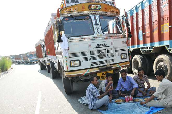 Truckers feel pinch of repeated NH closure