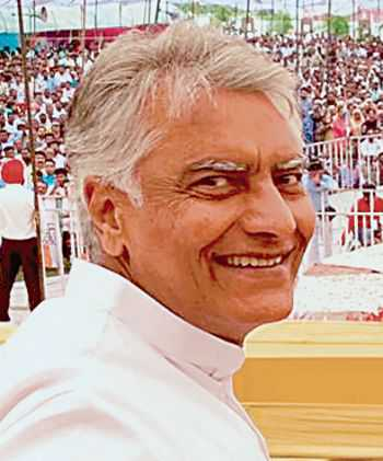 Jakhar evolves 2-pronged plan  to battle it out