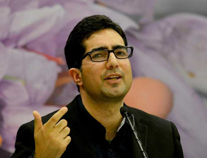 People in Kashmir look forward to window of change, says Faesal