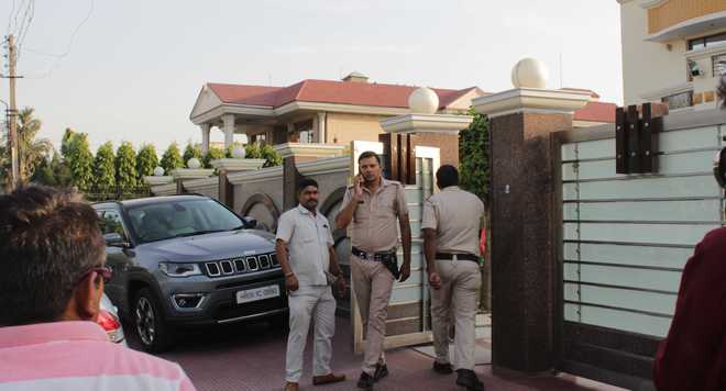 Karnal family held hostage at knifepoint; robbed of cash, jewellery worth lakhs