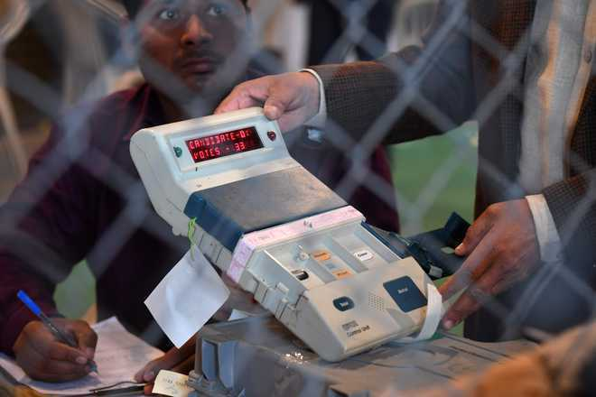 Activists demand reversal of EC order on VVPAT
