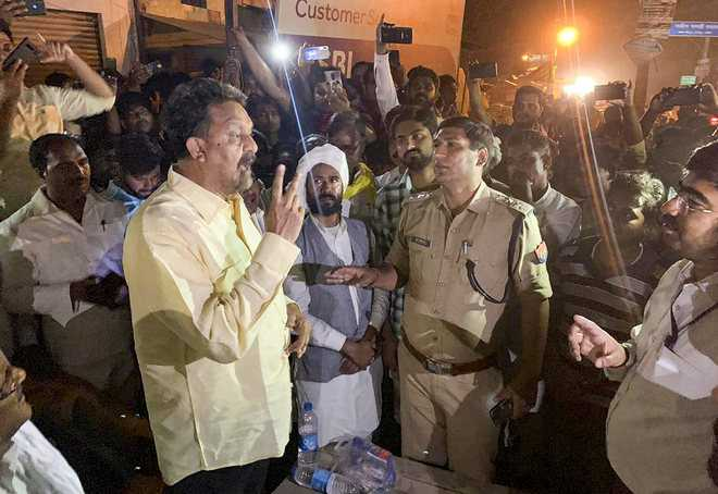 SP-BSP candidate protests EVM 'tampering'