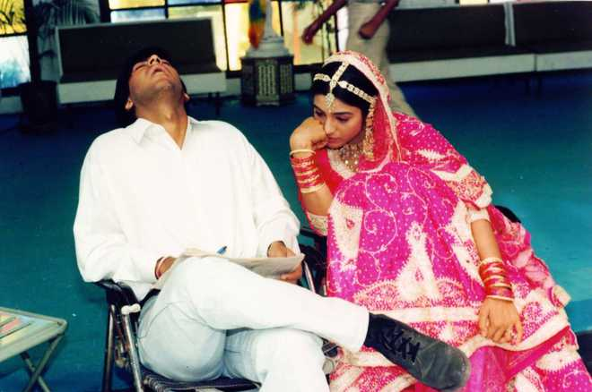 Ajay takes a dig at 'De De Pyaar De' co-star Tabu with hilarious throwback picture