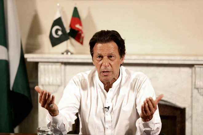 Imran Khan congratulates Modi; expresses desire to work with him for peace