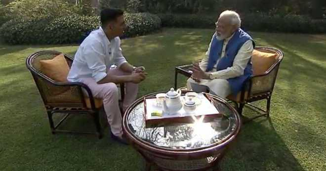 Actor Akshay Kumar congratulated PM; Modi replied 'committed to providing good governance'