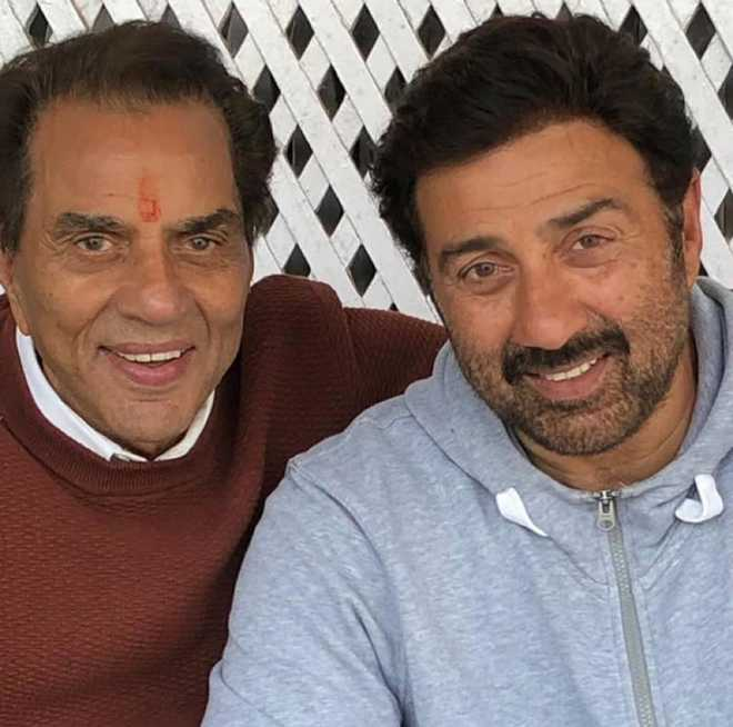 Dharmendra calls Sunny Deol 'Dharti Puttra' for his Gurdaspur win