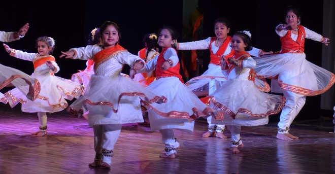 Dance bonanza: Kathak exponents enthral